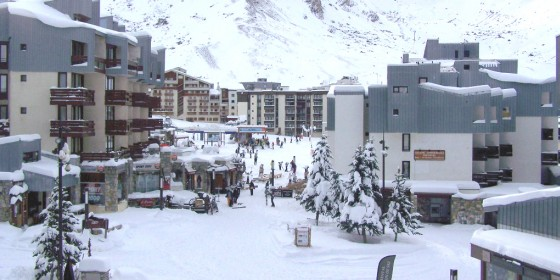 Enjoy Tignes with your school