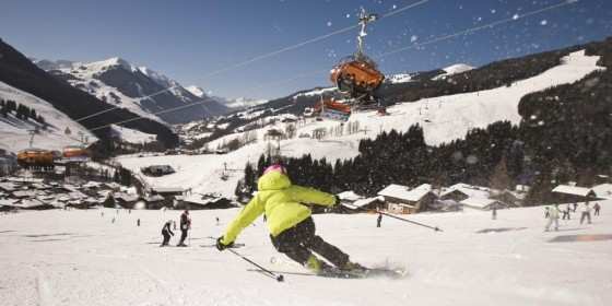 Skiing on the slopes of Saalbach | Austria