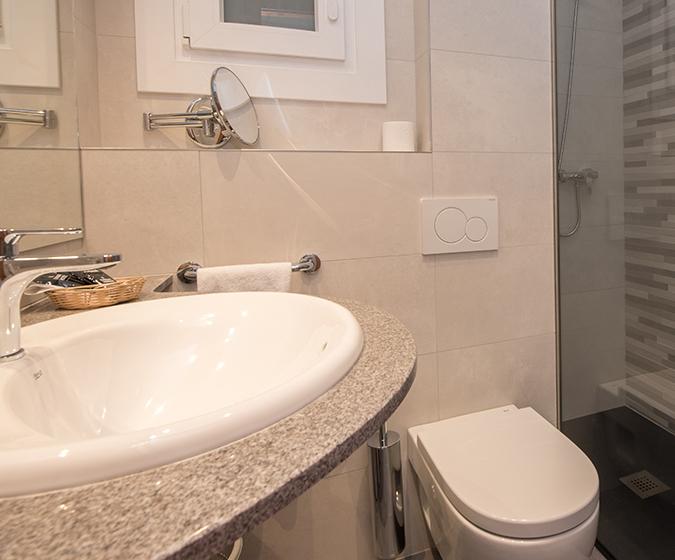 Hotel Oros Bathroom With Walk-In Shower